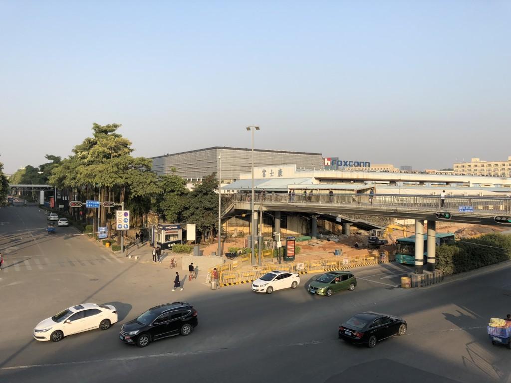 中国 深圳にあるFOXCONN(鴻海、ホンハイ)の工場
